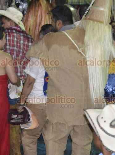 Hubo pleito entre danzantes durante el Xantolo, en Tantoyuca - alcalorpolitico