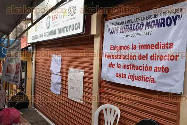 Escuelas seguirán cerradas en Tantoyuca, maestros mantienen su protesta - alcalorpolitico