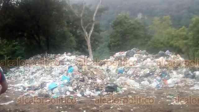Habitantes de Isleta Chica, en Xico, en desacuerdo con depósito de basura; hacen plantón - alcalorpolitico