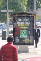 M�xico, D.F, 2 de marzo de 2015.- Tras la orden del INE para que el partido Verde retire su publicidad sobre los vales para medicinas, a�n se carteles en camiones y paradas de autobuses, sin definirse cu�ndo ser�n retirados.