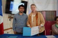 Xalapa, Ver., 4 de marzo de 2015.- Firma de convenio de colaboraci�n entre la Alianza Francesa y el AIESEC con la cual buscan fortalecer v�nculos entre universidades mexicanas y francesas para investigaci�n o estudios superiores.