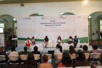 Xalapa, Ver., 4 de marzo de 2015.- Como parte de la celebraci�n del D�a internacional de la mujer se efectu� el Foro Visibilizando y reconociendo nuestros derechos, en donde estuvo presente el alcalde de Xalapa, Am�rico Z��iga.