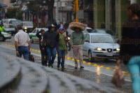 Xalapa Ver., 27 de marzo de 2015.- Ante la llegada del Frente Fr�o 43 se registran lluvias y neblina la tarde de este viernes en la capital del Estado.
