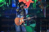 M�xico, DF., 29 de marzo de 2015.- La noche del s�bado, en el �ngel de la Independencia, el guitarrista Carlos Santana ofreci� un concierto ante cerca de 70 mil personas. El cantautor pidi� por la paz, igualdad, justicia y compasi�n en M�xico. La lluvia se hizo presente previo al evento y desapareci� durante el mismo.