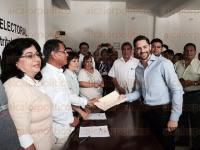 C�rdoba, Ver., 29 de marzo de 2015.- Registr� ante la 16 Junta Distrital del Instituto Nacional Electoral (INE) del panista Juan Gerardo Perdomo Abella.