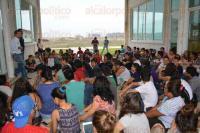 �sulo Galv�n, Ver., 29 de marzo de 2015.- Carlos Aceves Amezcua, director general del COBAEV, recibi� los donativos de la campa�a