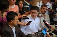 Xalapa Ver., 31 Marzo 2015.- El dirigente del PRD, Rogelio Franco Cast�n, en conferencia de prensa se�al� que ya tiene cubiertas las candidaturas en los 21 distritos de Veracruz.