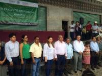 Papantla, Ver., 31 de marzo de 2015.- El presidente municipal, Marcos Romero; la diputada Federal, Alma Jeanny Arroyo y el jefe de distrito de la SAGARPA Raudel Garc�a se reunieron con productores provenientes de 70 comunidades de este municipio.