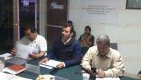 Banderilla, Ver., 31 de marzo de 2015.- El gerente estatal de la CONAFOR, Mart�n Gelacio Castillo encabez� la primera reuni�n extraordinaria del Comit�, en donde se asignaron recursos para proyectos productivos en diversas vertientes