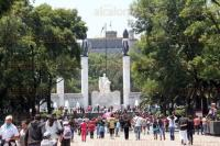 M�xico, DF, 31 de marzo de 2015.- Miles de familias disfrutan de las vacaciones de la Semana Mayor en la ciudad de M�xico y disfrutan del bosque de Chapultepec y las exposiciones que se presentan en el lugar.