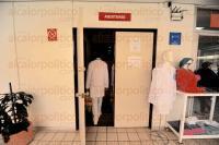Xalapa Ver., 1 de marzo de 2015.- 60 m�dicos permanecen en paro laboral debido al retraso de esta �ltima quincena de marzo, los doctores se encuentran en el auditorio del Centro de Especialidades M�dicas en donde permanecen en pl�ticas para resolver su situaci�n.
