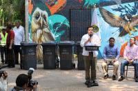 Xalapa, Ver., 1 de Abril de 2015.- Se hizo entrega de contenedores por parte de la SEDEMA hacia el Ayuntamiento de Xalapa en el parque de los Tecajetes como parte del programa