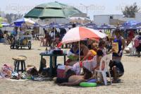 Boca del R�o, Ver.1 de abril de 2015.- Importante afluencia tur�stica se comienza a notar en las playas de la zona conurbada, hay visitantes principalmente de Puebla y Distrito Federal