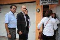 Banderilla, Ver., 17 de abril de 2015.- Corte del list�n inaugural de la Expo Feria Banderilla 2015 a cargo del alcalde Esteban Acosta Lagunes, acompa�ado por representantes de casi todos los partidos.