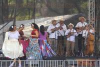 M�xico, DF, 18 de abril de 2015.- En el Centro Nacional de las Artes, el grupo Ariles al sol y al sereno (m�sicos y bailadoras del sur de Veracruz) bajo la direcci�n de Rub� Oseguera dieron un concierto ante cientos de personas, durante el III Encuentro de Son Jarocho.