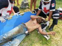 Medell�n de Bravo, Ver., 24 de abril de 2014.- Al lugar del incidente acudieron elementos de la Cruz Roja, de la Polic�a Estatal y Naval. Vecinos y empleados de la constructora reportaron el hecho.