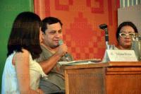 Xalapa, Ver., 25 de abril de 2015.- Continuando con las conferencias de la FILU en el foro Sergio Galindo, se present� la mesa narrativa �Voces de Per� y M�xico� con la participaci�n de Oswaldo Reynoso, �lvaro Lasso, Liliana Blum y Paola Tinoco y como moderador, Yuliana Rivera.