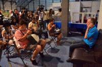 Xalapa, Ver., 25 de abril de 2015.- Reporteros de diversos medios de comunicaci�n asistieron a la rueda de prensa con el Doctor Honoris Causa, Gilles Lipovetsky como parte de las actividades de la FILU 2015.