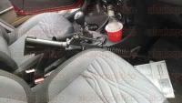 Xalapa, Ver. 26 de abril de 2015. -A trav�s de una denuncia an�nima se alert� de la presencia de una camioneta de roja de modelo reciente en la que dos sujetos transportaban armas largas.