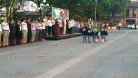 Coatepec, Ver., 28 de abril de 2015.- Aunque se esperaba que asistiera al homenaje a la bandera en el Parque Central, el alcalde Roberto P�rez Moreno no se present�. Presuntamente est� programada una conferencia de prensa del mun�cipe horas m�s tarde.