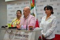 Xalapa Ver., 28 de abril de 2015.- Como recordatorio para la poblaci�n, Erubiel Uscanga, �scar Hern�ndez y Leticia Mart�nez ofrecieron rueda de prensa en la sala de conferencias de Comunicaci�n Social, sobre la carrera