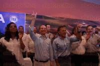 Veracruz, Ver., 3 de mayo de 2015.- El coordinador parlamentario del PAN en la C�mara de Diputados y breve exdirigente nacional de su partido, Ricardo Anaya, dio conferencia de prensa en este Puerto.