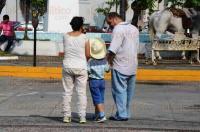 Veracruz, Ver., 21 de mayo de 2015.- La tarde de este jueves se efectu� la tradicional cabalgata de la Expo Ganadera Comercial Agr�cola y Artesanal Ylang Ylang 2015 con la participaci�n de m�s de 800 personas, quienes recorrieron en sus caballos diversas calles del Centro Hist�rico de Veracruz.