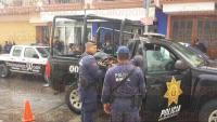 Cuitl�huac, Ver., 22 de mayo de 2015.- Elementos de la Polic�a Estatal y del Ej�rcito se encuentran en esta poblaci�n, tras la detenci�n y traslado de la Polic�a Municipal a la ciudad de C�rdoba. Aqu� el aseguramiento de las armas que han usado los municipales.