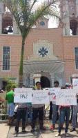 Cuitl�huac, Ver., 22 de mayo de 2015.- Un grupo de j�venes se manifest� para exigir paz pues han dejado de salir a hacer deporte y a fiestas por temor a perder la vida, ante la violencia que prevalece en el municipio.