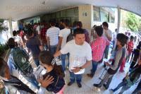 Xalapa, Ver., 24 de mayo de 2015.- Aspirantes a ingresar a la UV, nuevamente llegaron a las diversas facultades de la Universidad Veracruzana para presentar el examen de admisi�n para el pr�ximo periodo escolar.