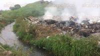 Atoyac, Ver., 25 de mayo de 2015.- Este basurero se ubica a orillas de la carretera que va de Potrero hacia Corral de Piedra para comunicarse con Cuitl�huac.