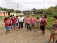 Poza Rica, Ver., 27 de mayo de 2015.- En la colonia Arroyo del Ma�z, los vecinos defender�n la �nica �rea verde con que cuentan para la recreaci�n de sus hijos.
