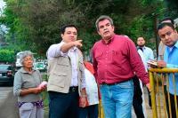 Xalapa, Ver., 27 de mayo de 2015.- El alcalde Am�rico Z��iga Mart�nez, durante su visita a la escuela primaria �Jes�s Reyes Heroles�, del Barrio de San Bruno.