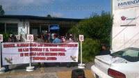 Xalapa Ver., 29 de mayo de 2015.- Integrantes de FREDEPO se manifiestan tomando las oficinas de INVIVIENDA, denuncian que Antorcha Campesina est� invadiendo parte de un terreno que les pertenece, esto en las reservas de Las Trancas y El Tronconal.