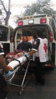 Xalapa, Ver., 29 de junio de 2015.- La tarde de este lunes se registr� un accidente en la avenida Murillo Vidal, en donde dos motociclistas resultaron severamente heridos.