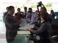 M�xico, DF, 1 de julio de 2015.- El senador Javier Corral afirma que va con todo por la presidencia del Partido Acci�n Nacional a pesar de tener desventaja ante el registro de Ricardo Anaya, quien tiene factores a su favor.