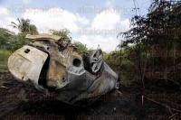 Veracruz, Ver., 1 de julio de 2015.- Veh�culo particular sale de la carretera a la altura del puente del Libramiento Santa Fe-San Juli�n, cayendo a un costado de la autopista Veracruz-C�rdoba sobre el km 89+900.