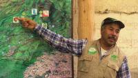 Rancho Viejo, Tlalnelhuayocan, Ver., 1 de julio de 2015.- El secretario de Turismo y Cultura en Veracruz, Harry Grappa Guzm�n, acudi� a dialogar con gu�as y pobladores integrantes de la asociaci�n SENDAS y del Grupo �Ecoturismo Ca�adas del Pixquiac�, para conocer el proyecto en el que trabajan para rescatar y preservar la zona, adem�s de la b�squeda de turismo ante las bellezas naturales de la cuenca del r�o Pixquiac.