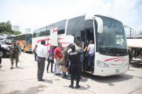 Poza Rica, Ver., 2 de julio de 2015.- Un segundo contingente de elementos que formaban parte de la Polic�a Intermunicipal Poza Rica-Tihuatl�n-Coatzintla, sali� rumbo a la Ciudad de M�xico a instalaciones de Marina Armada.