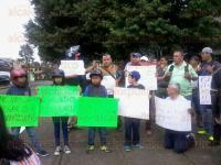 Xalapa, Ver., 4 de julio de 2015.- Un grupo de personas march� del Teatro del Estado a la Plaza Lerdo, en contra del nuevo Reglamento de Tr�nsito; lo califican de absurdo.