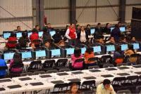 Xalapa, Ver., 5 de julio de 2015.- Contin�a en el gimnasio Omega la evaluaci�n a 2 mil maestros que buscan ocupar una plaza de educaci�n media superior de la Secretar�a de Educaci�n de Veracruz, el secretario Flavino R�os Alvarado lleg� desde temprana hora para supervisar que no se presentaran incidentes.