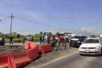 Ixtaczoquitl�n, Ver., 6 de julio de 2015.- Los trabajadores exigen ver los contratos de la empresa que realiza los trabajos de la rehabilitaci�n en el tramo Buena Vista, de la autopista M�xico-Veracruz, para determinar si son leg�timos.