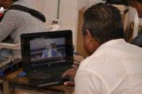Xalapa, Ver., 7 de julio de 2015.- En conferencia de prensa, Rafael Carbajal Rosado, representante del PT ante el INE, solicit� que se impugnen las elecciones de Coatepec y Mart�nez de la Torre debido a las boletas clonadas encontradas.