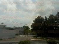 Veracruz, Ver., 28 de julio de 2015.- Alrededor de las 15:30 horas, reportaron la salida de mucho humo atr�s del aeropuerto �Heriberto Jara Corona�.