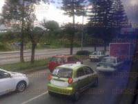 Xalapa, Ver., 28 de julio de 2015.- Tr�fico lento en la avenida L�zaro C�rdenas, en ambas direcciones, por diversos accidentes, la tarde de este martes.