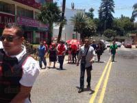 Xalapa, Ver., 29 de Julio de 2015.- Integrantes del Movimiento Popular Francisco Villa, encabezado por Arnulfo Reyes Cruz, marcharon saliendo del Parque Ju�rez hacia Tr�nsito del Estado, solicitan concesiones de taxi y exigen respuesta.