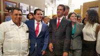 Xalapa, Ver., 30 de julio de 2015.- El delegado de BANOBRAS, Salvador Manzur D�az, acudi� al Congreso del Estado a inaugurar una exposici�n fotogr�fica de los logros obtenidos en el a�o.