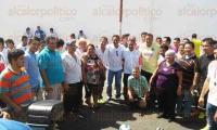 Coatzacoalcos, Ver., 2 de agosto de 2015.- En el marco del 51 aniversario del mercado popular �Morelos�, se efectu� un torneo de futbol entre los locatarios de los siete mercados del municipio, por lo que se cerraron las calles Ju�rez y Pedro Moreno.