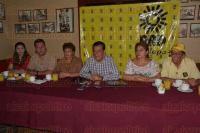 Xalapa, Ver., 4 de agosto de 2015.- El dirigente municipal del PRD, Manuel Bernal, dijo que en los pr�ximos d�as probablemente salga bajo cauci�n el regidor perredista Juan Gabriel Montes de Oca, quien fuera detenido por homicidio de 3 personas en un accidente automovil�stico en el estado de Oaxaca en 2010.