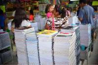 Xalapa, Ver., 4 de agosto de 2015.- Los art�culos escolares m�s vendidos durante el periodo julio-agosto son las libretas, l�pices, lapiceros, colores, gomas, juegos de geometr�a y diccionarios.